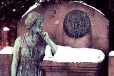 Südfriedhof Düsseldorf, via Flickr.