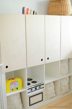 mommo design: HACK AND PLAY ....Expedit kitchen
