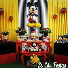 Painel Mickey Minnie Mouse, Minnie Mouse Birthday Theme, Mickey Mouse Birthday Decorations, Mickey 1st Birthdays, Fiesta Mickey Mouse, Mickey Mouse Baby Shower, Mickey Mouse Clubhouse Party, Mickey Mouse Parties, Mickey Party