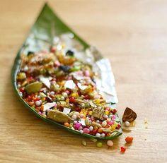 Sweet Paan Punjab Pakistan Veg Recipes, Spicy Recipes, Asian Recipes, Ethnic Recipes, Pakistan Food, Pakistani Dishes, Food Technology, Desi Food, Food Places