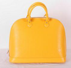 Сумка Louis Vuitton Alma MM из натуральной кожи Epi Leather желтая