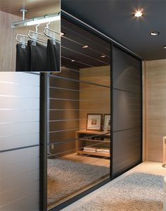 luz no closet Bedroom Furniture Design, Bedroom Cupboard Designs, Closet Bedroom, Bedroom Interior, Wardrobe Door Designs, Wardrobe Room, Closet Lighting, Cupboard Design, Wall Shelves Bedroom