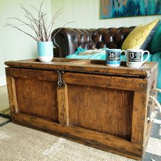 VINTAGE CHEST Midcentury INDUSTRIAL TOOL CHEST Rustic Storage Trunk COFFEE  TABLE