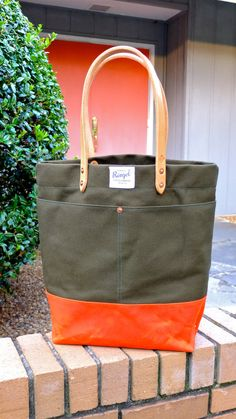 Waxed Canvas Tote Bag with Leather Handles - Large Olive & Orange Color Blocked Tote Perfect for Everyday, the Week-end or the Beach Diy Bags Purses, Canvas Tote Bags, Canvas Totes, Waxed Canvas Bag, Leather Handle, My Bags, Backpack Bags, Bag Making, Fashion Bags