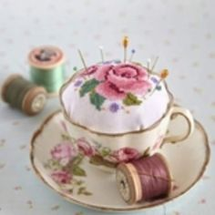 How adorable is this vintage tea cup and saucer repurposed as a pin cushion? You could still use it when displayed on a cup and saucer stand! Fabric Crafts, Sewing Crafts, Sewing Projects, Vintage Tea, Vintage Sewing, Vintage Cups, Vintage Crafts, Vintage Buttons, Teacup Crafts