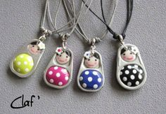 Upcycled tabs from soda or tin cans are transformed by Clafoutine, a french crafter, to make adorable dolls she transforms into jewels. The mix between the waste and the polymer clay really gives an amazing and flashy results. ++ Clafoutine