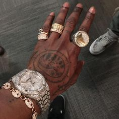 Left Hand Tattoo, Hand Tattoos, Celtic Cross Meaning, Travis Scott Tattoo, Lion With Wings, Scenery Tattoo, Jack Tattoo, Monkey Tattoos, Scott Campbell