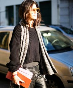 //Lovely Street style! Effortless and Chic ~ Loose fitting cardigan for spring too.