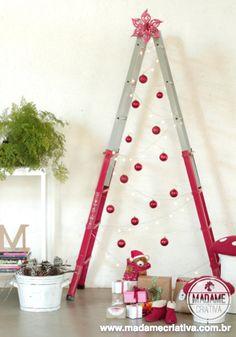 Творческий и экономическая Рождественская елка с лестницей - DIY LADDR елки - Недорогой и Esay сделать!