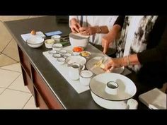 Lin and Betsie make a delicious carrot cake. Be sure to tune into Kuiertyd met Liesel on Kruiskyk TV (www. View more recipes at www. Cake Youtube, Carrot Cake, Carrots, Oven, Make It Yourself, Cooking, Recipes, Carrot Cake Loaf, Baking Center
