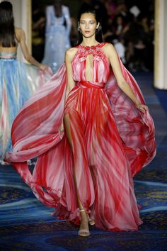 See all the looks from the show New Fashion, Fashion News, Spring Fashion, Zuhair Murad, Passion For Fashion, Catwalk, Ball Gowns, Ready To Wear, Formal Dresses