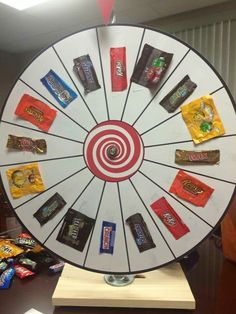 Halloween carnival game Very cool Candy prize wheel! Would be fun to have other types of prizes on the wheel - love this idea for Primaries! Fall Festival Games, Fall Games, Harvest Festival Games, Fall Festival Decorations, Casino Party Decorations, Candy Decorations, Festival Outfits, Prize Wheel, Fete Ideas