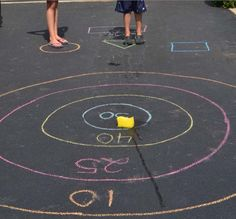 Sponge and Sidewalk Chalk Game