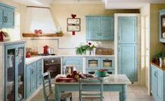 Venkovský styl kuchyně Charme (SCAVOLINI) umocňuje mořený masiv. Keramický dekor je kromě pracovní desky použit i na sloupky dělicí skříňky,...