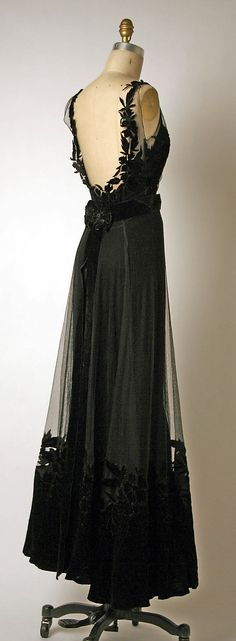 1947 Christian Dior - beautiful backless!