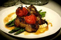 Greek Barbecued Lamb Chops with Cauliflower Skordalia, Asparagus & Tomatoes - Em's Food For Friends Barbecued Lamb, Lamb Dinner, Clay Food, Lamb Chops, Main Meals, Asparagus, Tomatoes, Cauliflower, Pork