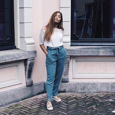 Hey you! What's up? 👅 | @styledbyromy 📸  #Regram via @esseremoda #highwaist #pants #object #outfit #2017