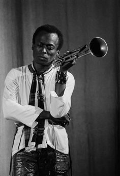 Miles Davis at the Salle Pleyel concert hall. 1969 | Photography by Guy Le Querrec (for Magnum photos)