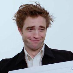 King Robert, Robert Douglas, Robert Pattinson Twilight, Twilight Cast, Edward Cullen, Most Handsome Men, Interesting Faces, Man Humor, Reaction Pictures