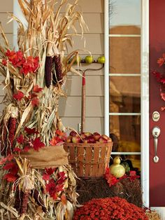 Cornstalk columns, awesome colors for fall!!! ♥♥