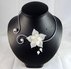Eline - Collier fleur ivoire - personnalisable : Collier par creation-ninie