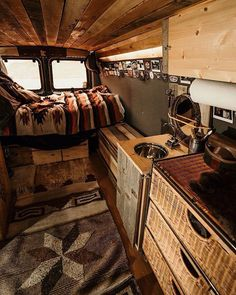 Camper vans are getting more and more popular. Having a camper van you are able to travel more often and spontaneous because you don't … Bus Life, Camper Life, Diy Camper, Van Camping, Camping Hacks, Bus House, Tiny House, Kombi Motorhome, Van Interior
