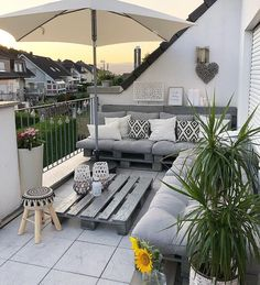 Proof that you don& have to buy an expensive seating group for a beautiful balcony decor, it& a gorgeous balcony design. Small Outdoor Patios, Outdoor Balcony, Small Patio, Balcony Garden, Backyard Patio, Outdoor Spaces, Outdoor Living, Outdoor Decor, Small Terrace