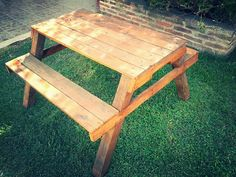 Recycled Pallet Picnic Table | 99 Pallets