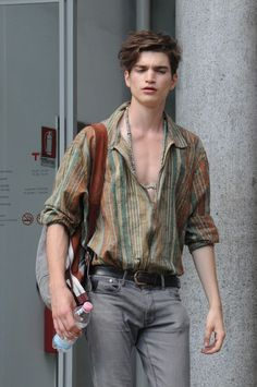 damplaundry: Alexander Ferrario At MFW S/S 2015 by Sam Cosmai Boho Men, Bohemian Style Men, Mode Masculine, Masculine Style, Suit Fashion, Boho Fashion, Fashion Menswear, Fall Fashion, Fashion Shoes