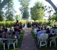 Outdoor Country Wedding At The Victorian Veranda Inn Just Outside Of Lawrence Kansas