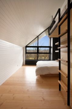Love the window- La Cornette | YH2 Architecture. © Francis Pelletier