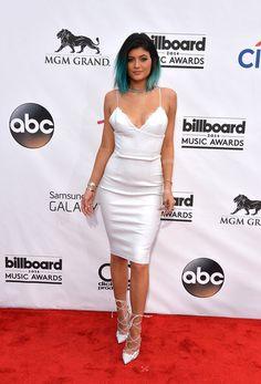 Image from http://www3.pictures.stylebistro.com/gi/2014+Billboard+Music+Awards+Arrivals+UEHSonlhNLal.jpg.