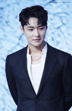 Lay - 180517 iQiYi Technology & Entertainment World Meeting Credit: XingPark. Chanyeol, Kyungsoo, Yixing Exo, Exo Official, Korean Boy, Exo Ot12, Kim Junmyeon, Street Dance, Exo Members