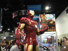 Comic-Con-2009-Iron-Man  I want this costume :)