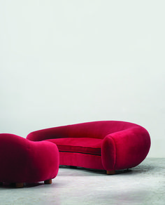 Jean Royère Ours Polaire sofa group, c.1950.Courtesy of Galerie Jacques Lacoste and Galerie Patrick Seguin. / Desi...