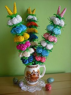 Moje palmy z krepiny. Easter In Poland, Easter Crafts, Paper Flowers, Easter Eggs, Folk Art, Diy And Crafts, Lego, Bunny, Baby Pants