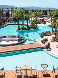 Stella Island Luxury Resort & Spa, KretaThe luxurious hotel Stella Island Luxury Resort & Spa on Crete is an absolute dream and offers every comfort. The highlight is the lagoon pool that extends around the entire resort. Spa Hotel, Hotel Pool, Beach Hotels, Beach Resorts, Hotels And Resorts, Luxury Hotels, Marriott Hotels, Luxury Spa, Vacation Places