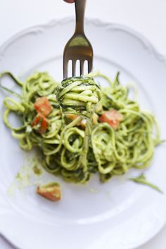 Phase 3 No-cook Zucchini Pasta with Avocado-Pepita Pesto -- wow, this is easy. Just blenderize the sauce and toss.