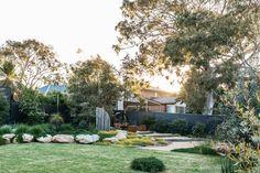 Inspiration for my backyard landscaping project Australian Garden Design, Australian Native Garden, Architecture Pdf, Farmhouse Garden, Backyard Landscaping, Backyard Ideas, Corner Landscaping, Backyard Projects, Landscaping Ideas