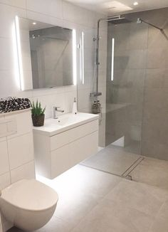 19+ Small Bathroom Ideas to Make Your Small Space Larger - #bathroom #ideas #Larger #Small #space