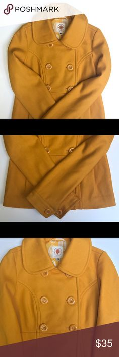 Anthropologie Tulle Yellow Wool Pea Coat / Jacket This is a gorgeous gently used Anthropologie Tulle Wool Peacoat/Jacket in a Mustard Yellow. It has 2 side pockets & a beautiful lining that has no tears or stains. Anthropologie Tulle Jackets & Coats Pea Coats