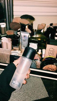 - Make-up und Hautpflege Skin Makeup, Makeup Brushes, Beauty Makeup, Huda Beauty, Mac Makeup, Makeup Geek, Makeup Storage, Makeup Organization, Makeup Collection Storage
