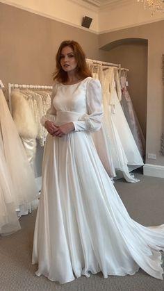 Wedding Dress Necklines, Necklines For Dresses, Wedding Dress Sleeves, Modest Wedding Dresses, Elegant Dresses, Pretty Dresses, Beautiful Dresses, Gown Wedding, White Dress For Wedding