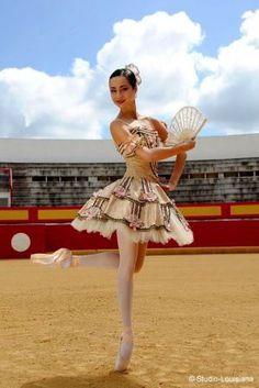 I love this type of tutu shape Nutcracker Costumes, Tutu Costumes, Ballet Costumes, Ballerina Tutu, Ballet Tutu, Ballet Dancers, Famous Ballets, Ballet Russe, Pretty Ballerinas