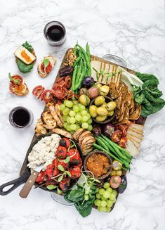 Food stylist Lisa Dawn Bolton shares recipes and tips for creating a plant-based spread that even carnivores cant resist. Antipasto, Cashew Ricotta, Fromage Vegan, Brunch, Charcuterie Board, Charcuterie Vegan, Charcuterie Spread, Vegan Appetizers, Snacks
