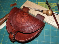 how to make a Leather belt pouch (with stamping)