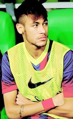 Neymar da Silva Santos Júnior, allgemein bekannt als Neymar oder Neymar Jr. Neymar Jr, National Football Teams, Football Fans, Football Players, Brazilian Soccer Players, Good Soccer Players, Fc Barcelona, Soccer Boyfriend, Paris Saint Germain Fc