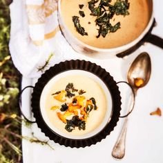 Chanterelle soup - Kantarellikeitto rapean lipstikan kera, resepti – Ruoka.fi Vegetarian Recepies, Camembert Cheese, Soups, Anna, Eat, Food, Essen, Soup, Meals
