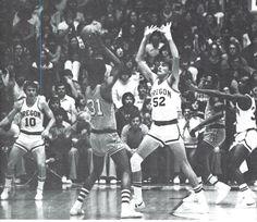 Oregon basketball 1977-78. From the 1978 Oregana (University of Oregon yearbook). www.CampusAttic.com