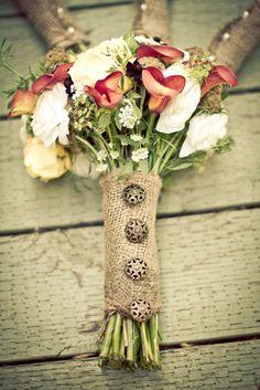 burlap-wrapped-wedding-bouquets.jpg (667×1000)